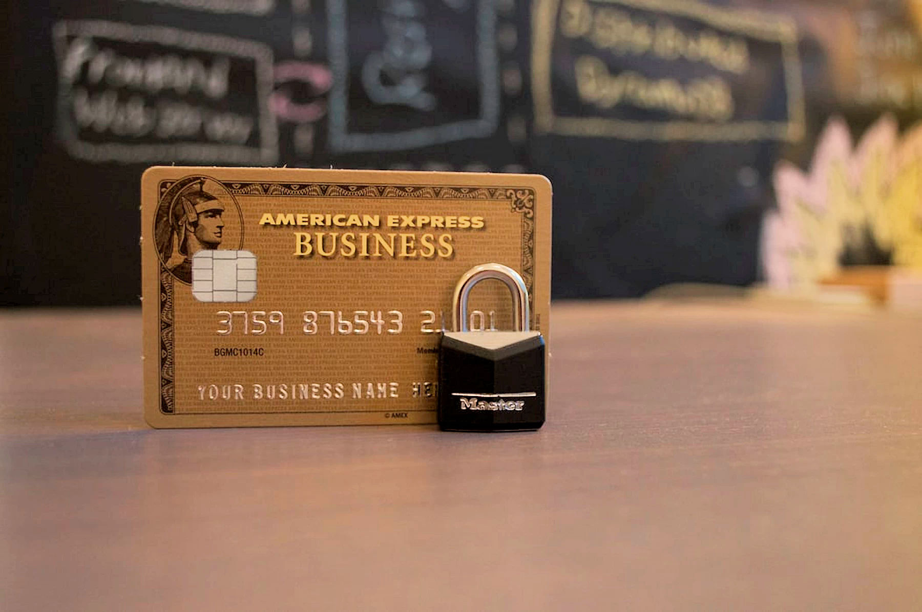 What You Need to Know Before Choosing a Business Credit Card for Your Startup